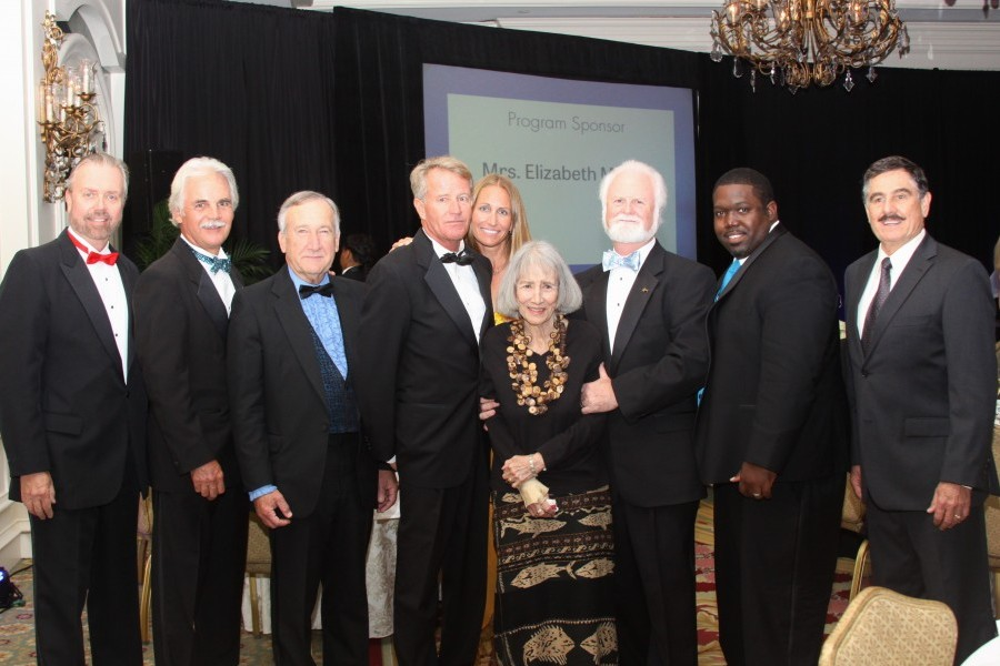 Oceanic Evening Gives Back to the Sea