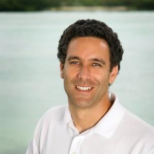 Dr. Carlos Yanes-Roca