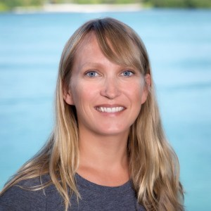 Dr. Erinn Muller studies coral health & disease at Mote.
