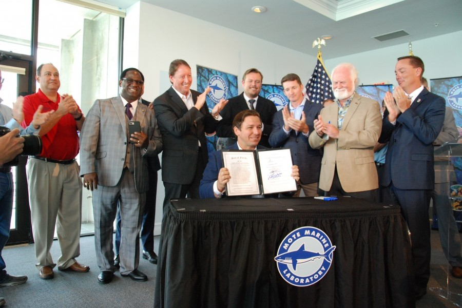 Governor Ron DeSantis signed SB 1552 at Mote on June 20, 2019. Photo credit: Mote Marine Laboratory