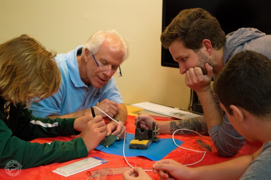 Southwest Florida students do hands-on technology projects with Mote Marine Laboratory scientists and local teachers.