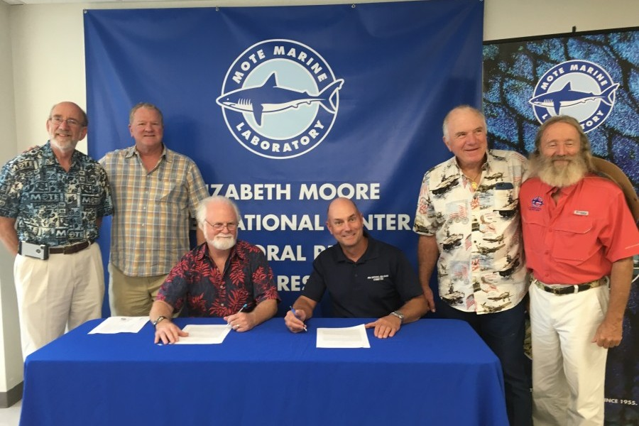 The MOU formalized a partnership between Mote & BSA on a new Marine STEM Adventure Scout program.