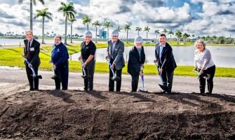 Sarasota Board of County Commissioners join Mote Board Chairman Dr. Sam Seider and Mote President/CEO Dr. Michael P. Crosby to help break ground.