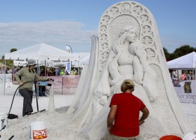 Karen Fralich and Dan Belcher with third place winning sculpture - Mother of Dragons