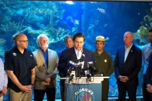 Mote joins state leaders to highlight coral reefs during Super Bowl LIV